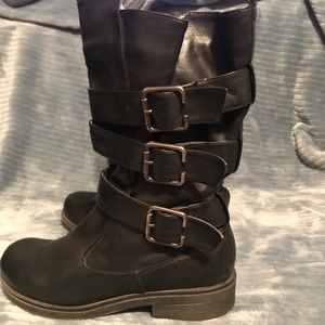 🐾2 for $19- Triple strap black leather boots
